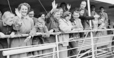 Immigrants coming into Australia after WW2
